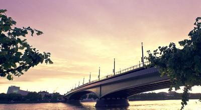 Sonnenuntergang Kenndybrücke in Bonn