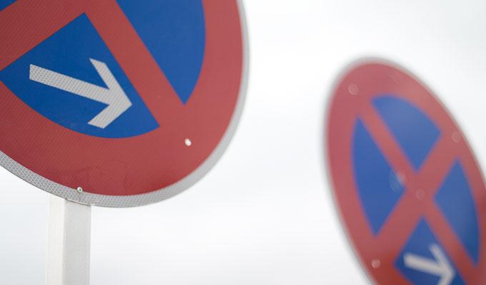 Parkverbotsschilder für den sicheren Umzug