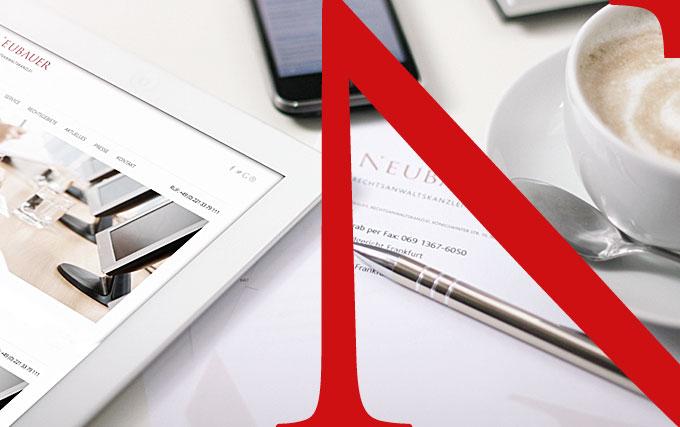 Tablet, Smartphone, Kaffetasse, mit rotem N